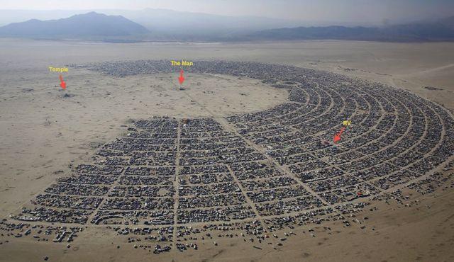 Black Rock City, Nevada - Photos from Burning Man 2002